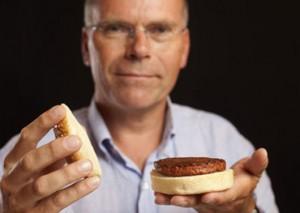 Марк Пост с котлетой из искусственного мяса