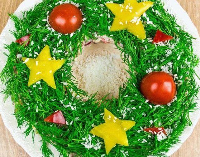 Как украсить салат Оливье для праздничного стола